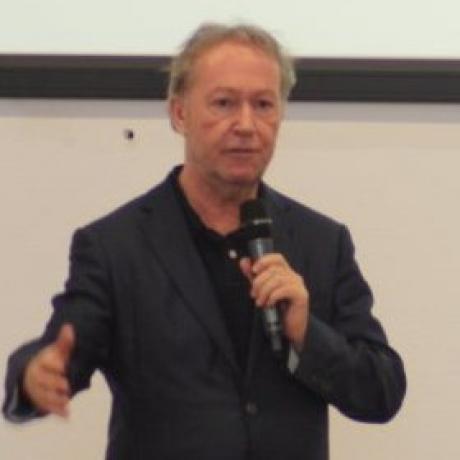 Nol Reverda spreker tijdens Wood Summit Småland conferentie in Zweden