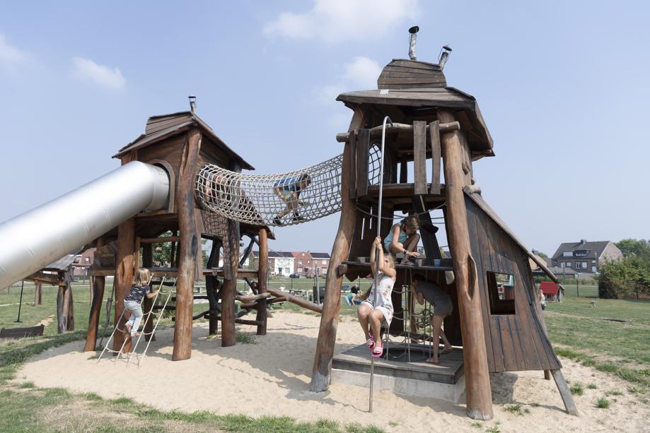 Nieuwe speeltuin in Heilust - fotograaf onbekend